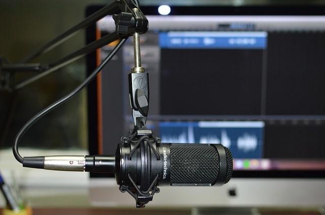 Emisión radial