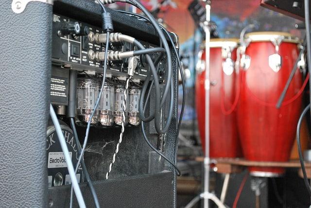 Bongó amplificación