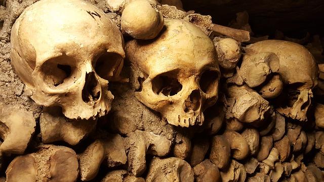 Catacumbas huesos